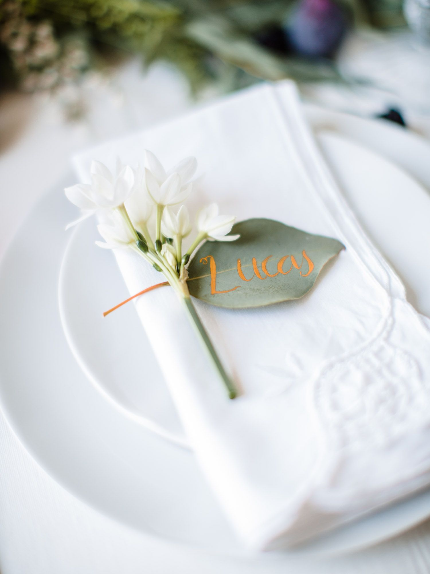 Calligraphy Leaf Place Setting Photography: Wookie Photography ...