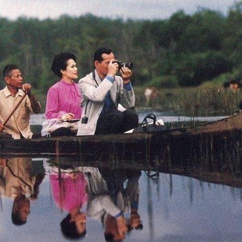 ธ สถิตย์ในดวงใจนิรินดร์ #ขอเป็นข้ารองพระบาททุกชาติไป #ภูมิใจที่ได้เกิดเป็นคนไทยในรัชกาลที่๙