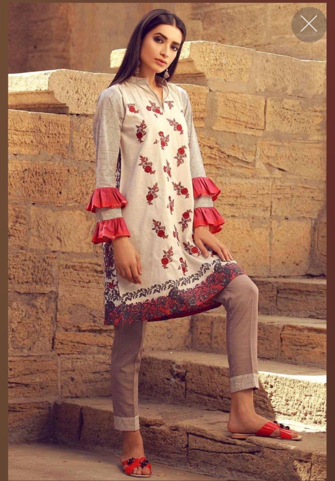 bfbd32804b Pakistani Fashion Casual, Pakistani Dress Design, Punjabi Fashion,  Pakistani Outfits, Ethnic Fashion