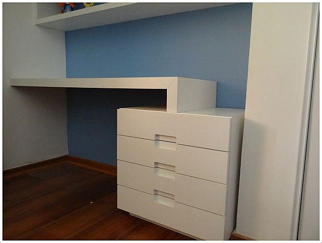 mueble escritorio enchapado lamitech detalle de tirador