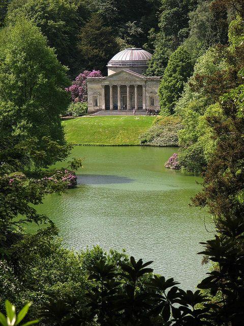 Best Time To Visit Stourhead Gardens