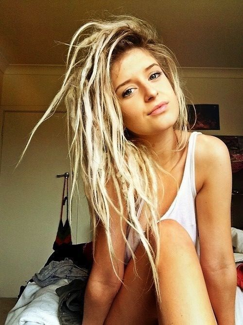 Blonde dreadlock hippie girl nude