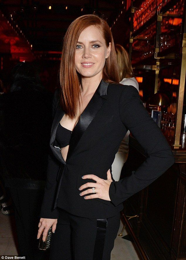 Amy Adams Flashes Her Bra In Plunging Trousersuit At Post Bafta Party Amy Adams Pinterest Amy Adams Amy And Actress Amy Adams