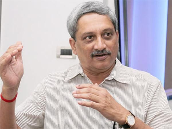 Manohar Parrikar meets Jammu and Kashmir CM, security situation discussed - The Economic Times