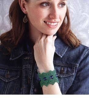 http://tinashandicraft.blogspot.it/search/label/bracelet