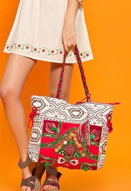Bolso bordado hippie chic | Chatitas y cartera | Pinterest