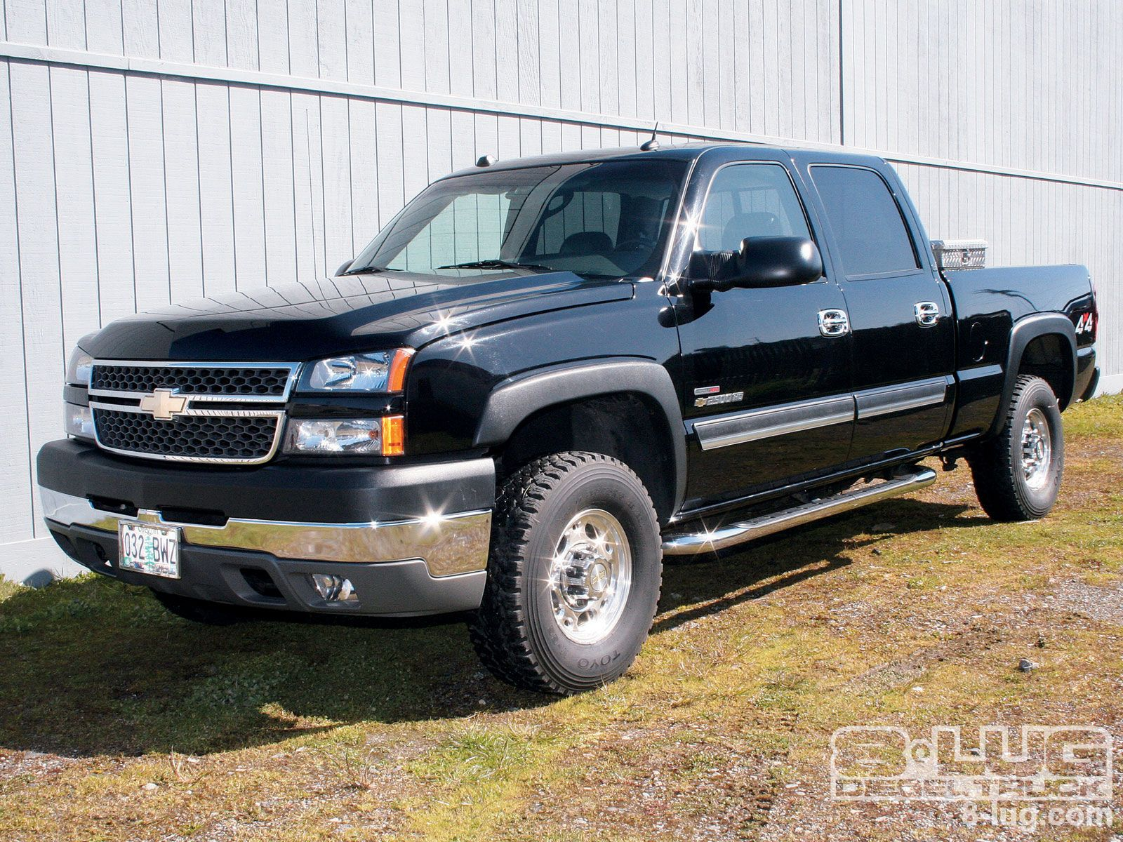 2005 chevy silverado crew cab z71 82 123 miles engine 5 3 liter v8 transmission 5 speed auto drive type 4wd mpg city hwy 15 19 stereo nav optio