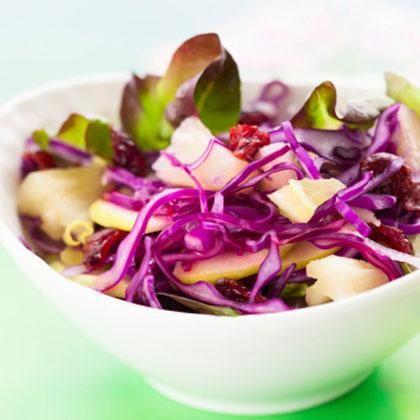 Apple and Smoked Gouda Salad ~ I recently realized I REALLY like smoked gouda.