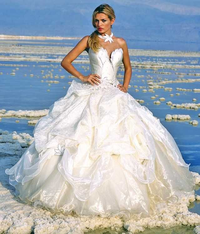 most expensive wedding dress in the world 2 most expensive wedding ...