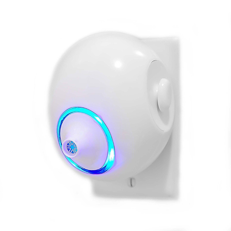Amazon Com Mammoth Mini Ionic Wall Plug In Air Purifier Naturalizes Viruses Bacteria Fungi Odor And More Io Air Purifier Wall Plug Ionic Air Purifier