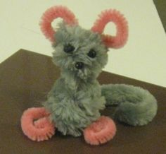 Preschool Kid's Craft: How to Make a Pipe Cleaner Mouse #mousecrafts