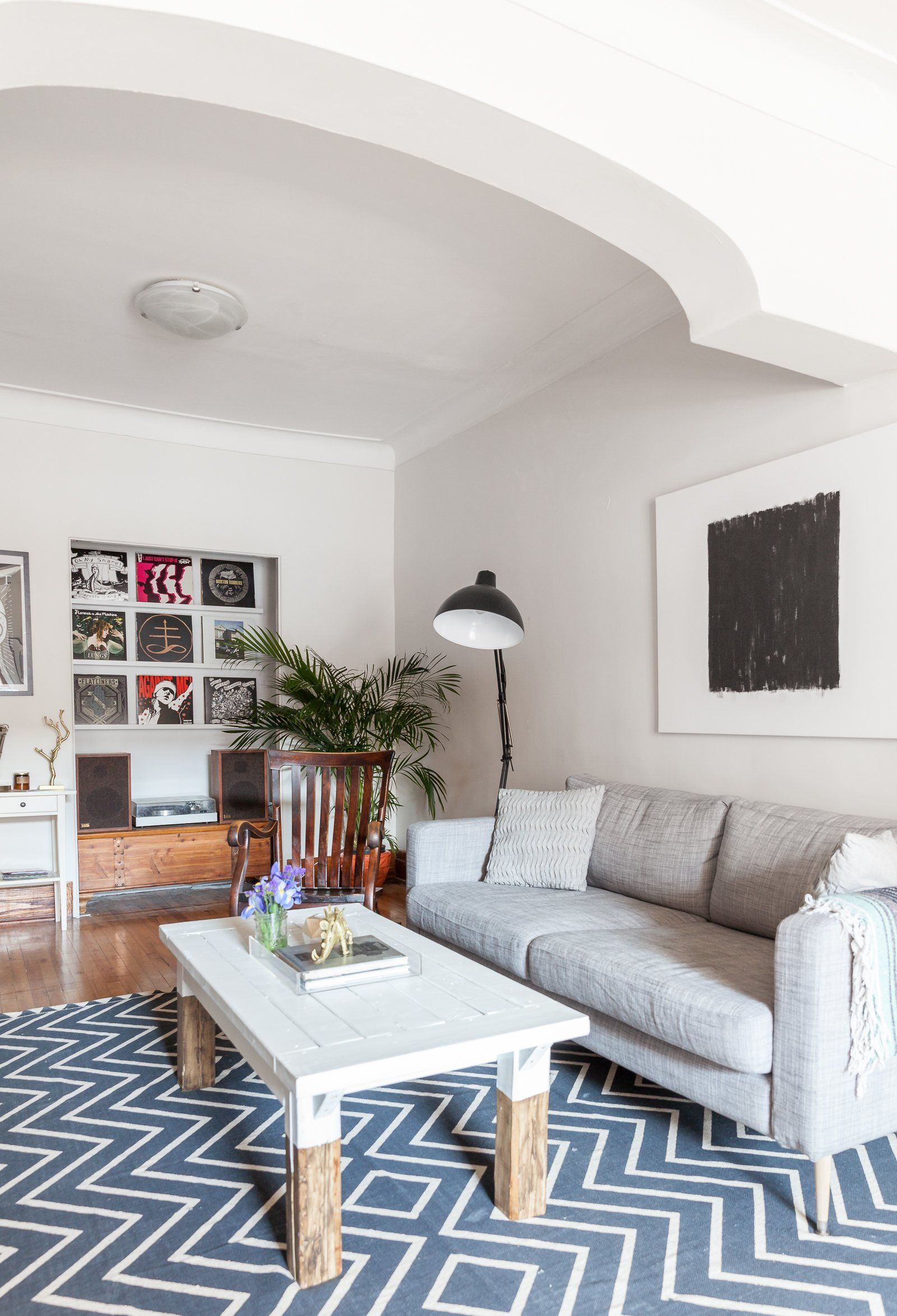 savannah mike s colorful slightly edgy montreal rental chats rh pinterest com