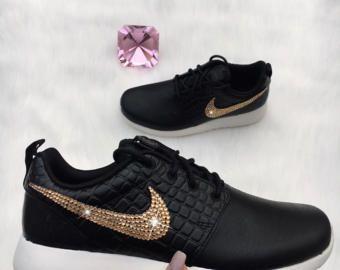 premium selection 69ec3 b37eb Nude Bling Nike Roshe deux SE chaussures sur mesure avec or