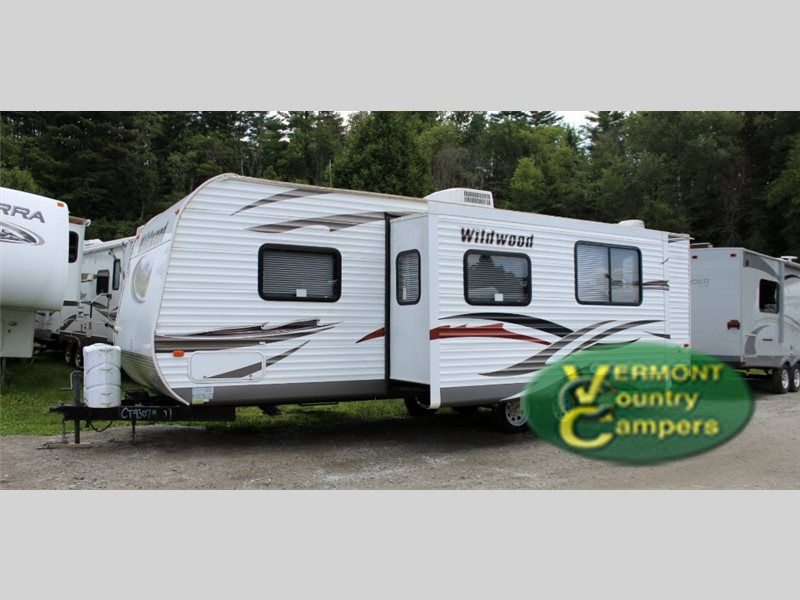 Used 2013 Forest River RV Wildwood 28DBUD Travel Trailer