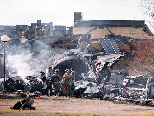 1992 Evansville Plane Crashes Into Drury Inn Evansville Evansville Indiana Holiday World