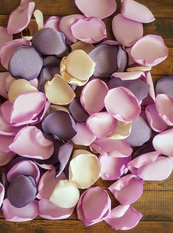 Wedding Rose Petals Dusty Lilac Wedding Flower Petals Etsy Lilac Wedding Flowers Lilac Wedding Wisteria Wedding