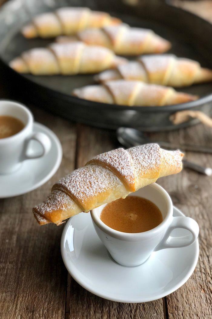 Mandel Amaretto Hörnchen #breadrecipessweet