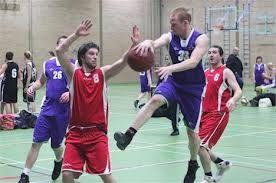 Hier zijn de spelers van Rowic in actie wat bijna altijd een gewonnen wedstrijd oplevert.De Gemeente Dordrecht heeft dan ook speciaal voor Rowic een nieuwe moderne sporthal laten bouwen.