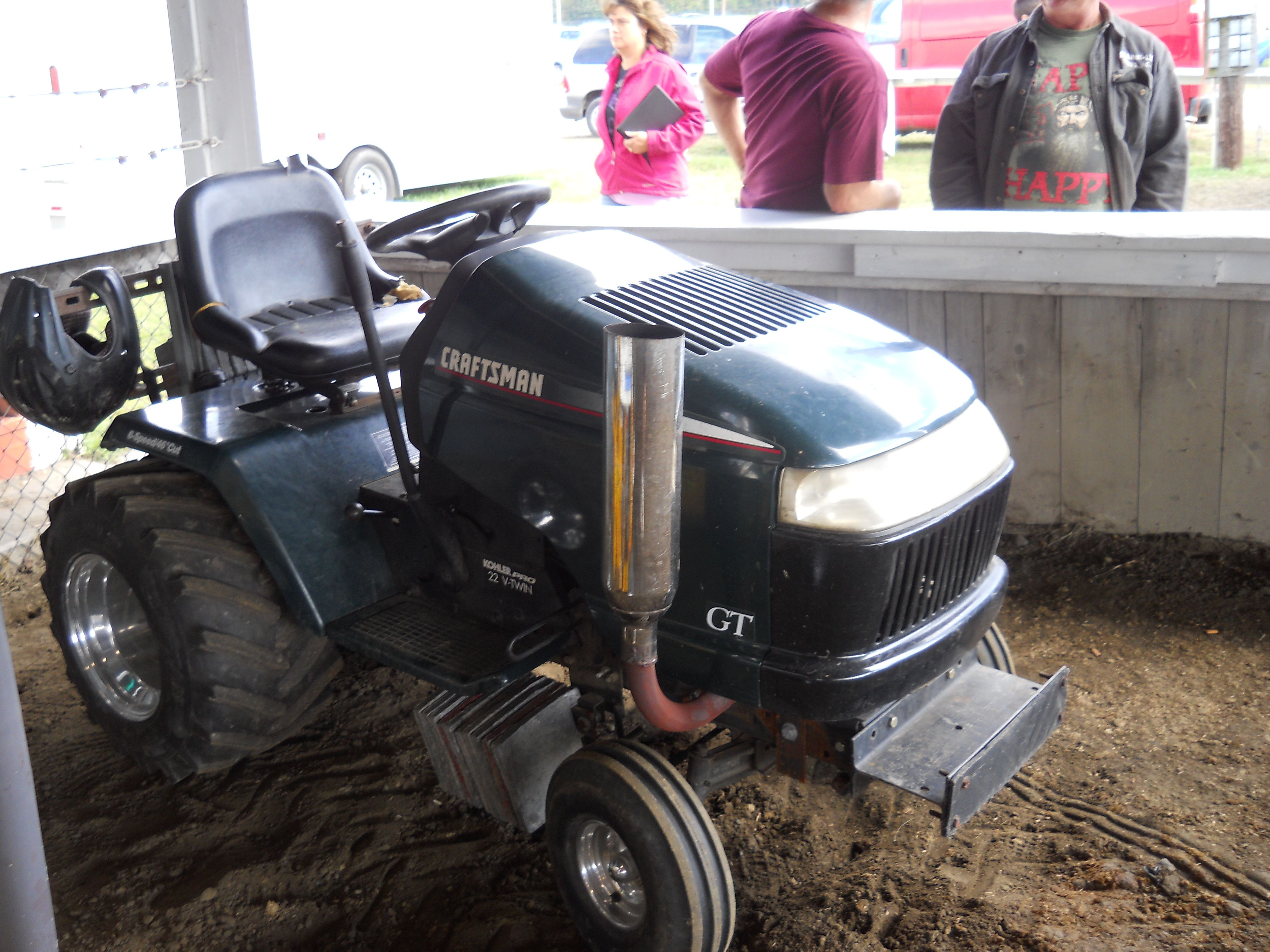 Craftman Gt In Lawn Mower Pull Contest Https Www Youtube Com User Viewwithme Lawn Mower Lawn Tractor Lawn Mower Racing
