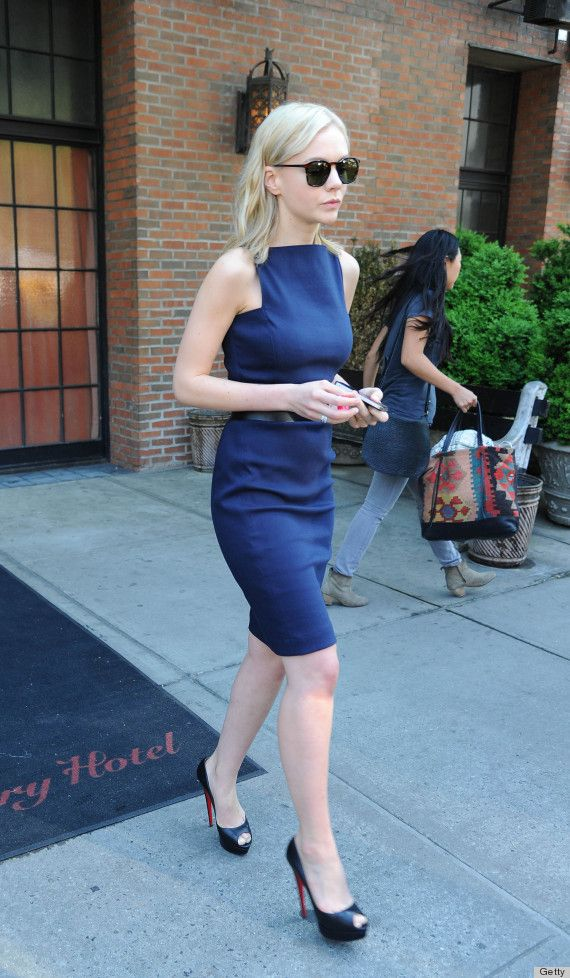 carey mulligan; Now this is how you wear a ladylike dress!