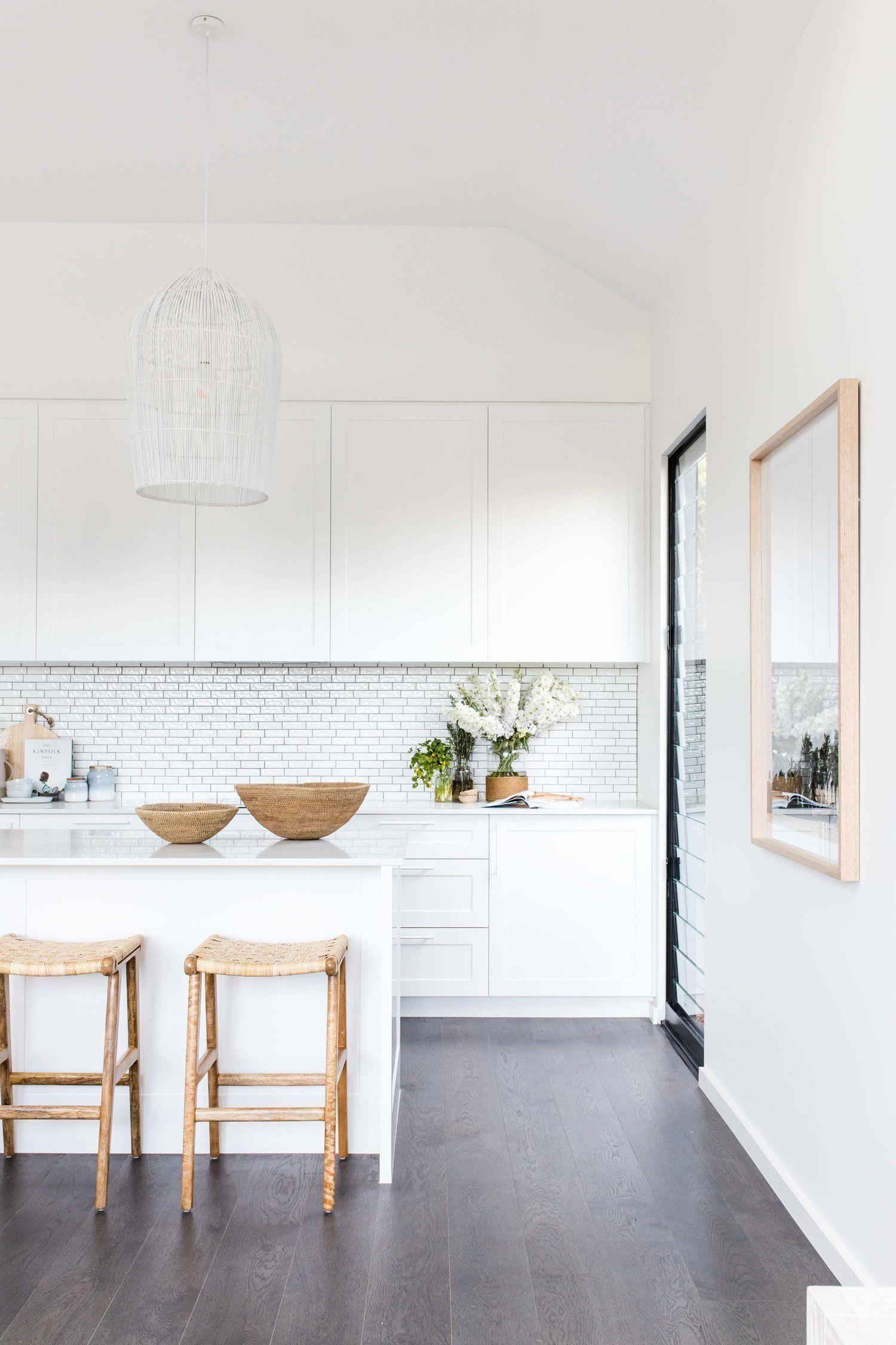 Best White Airy Kitchen Inspiration Modernkitchen White 400 x 300