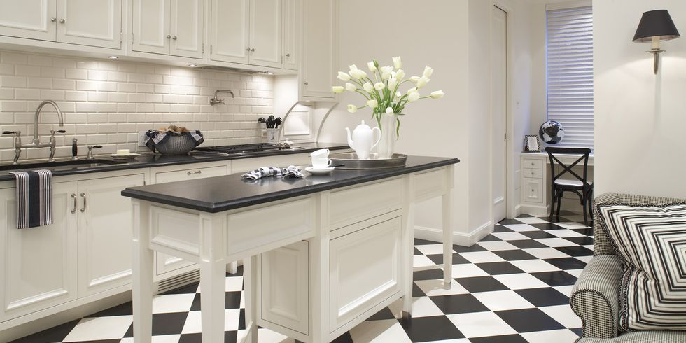 Here S How To Craft A Classic Black And White Kitchen White