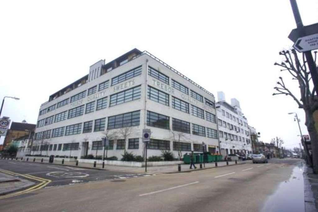 2 Bedroom Apartment To Rent Forest Gate London Price £300 pw | Bigpage | Trebor Development | London