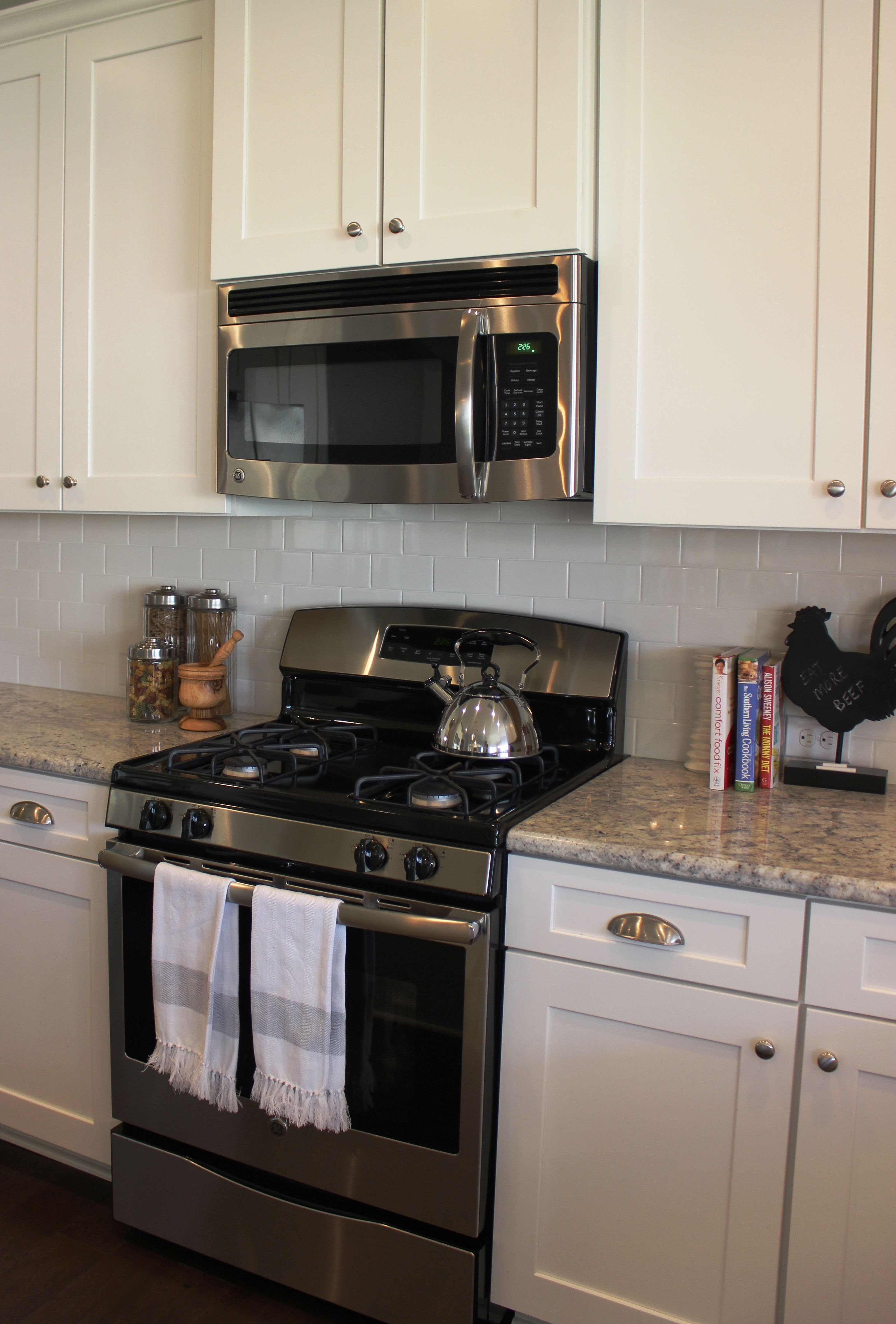 Essex Homes   Wakefield Model   Kitchen   Timberlake New Haven Linen  Cabinets   Bianco Romano