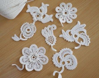 Irish lace Irish crochet flower motifs, off white flower applique, Irish crochet decor, wedding decor Set of 3 #irishcrochetflowers