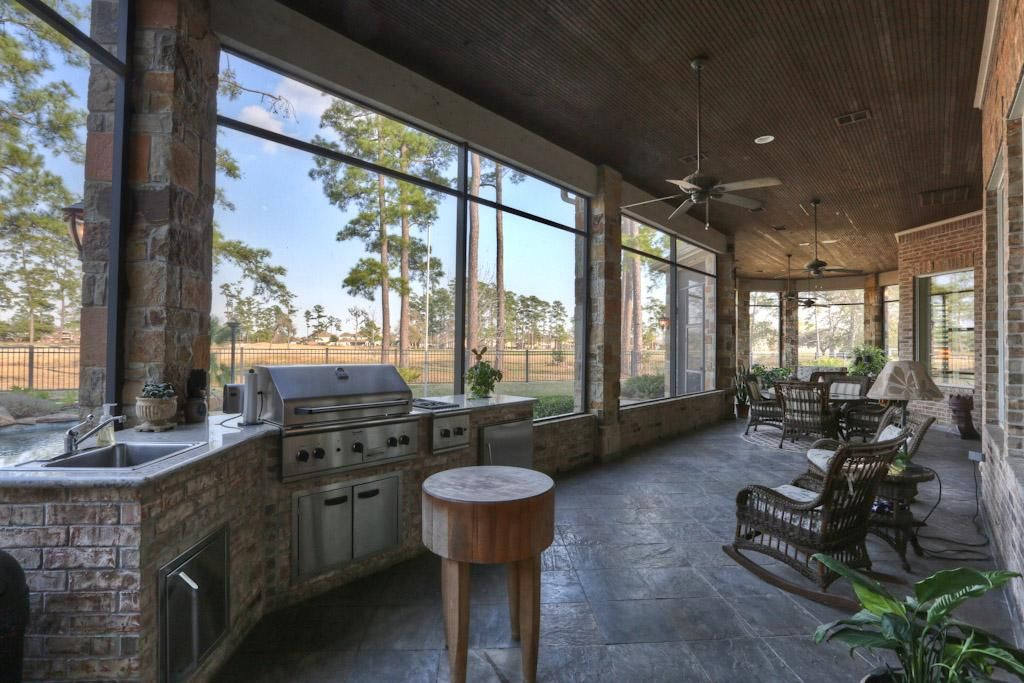 Now That S My Kind Of Patio 8206 Matthews Crest Ct Humble 77396 3769 Home Value Har Com Indoor Patio Patio Screened In Patio