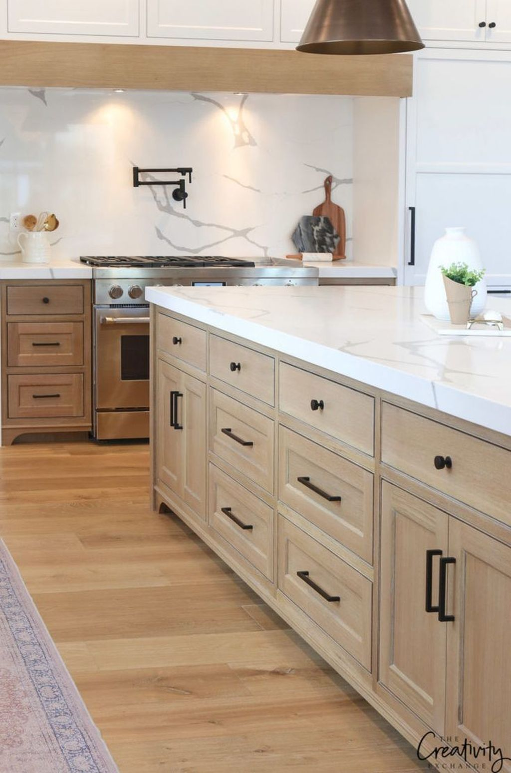 35 Perfect Farmhouse Kitchen Design Ideas To Renew Your Home 35 Perfect In 2020 Natural Wood Kitchen Cabinets Modern Kitchen Cabinets Wood Kitchen Cabinets