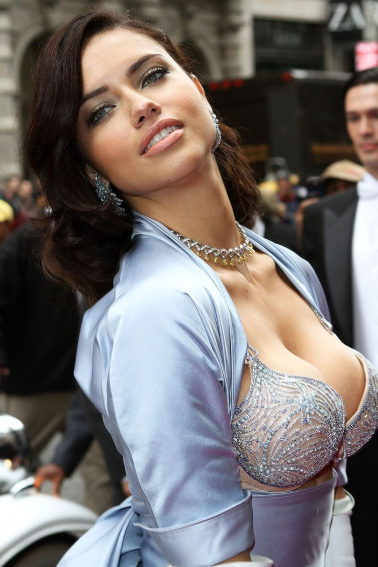 Cleavage Adriana Lima See nudes (95 photos), Sideboobs