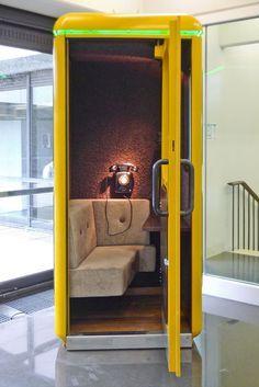 gelbe telefonzelle phonebox pinterest telefonzelle gelb und b roeinrichtung. Black Bedroom Furniture Sets. Home Design Ideas