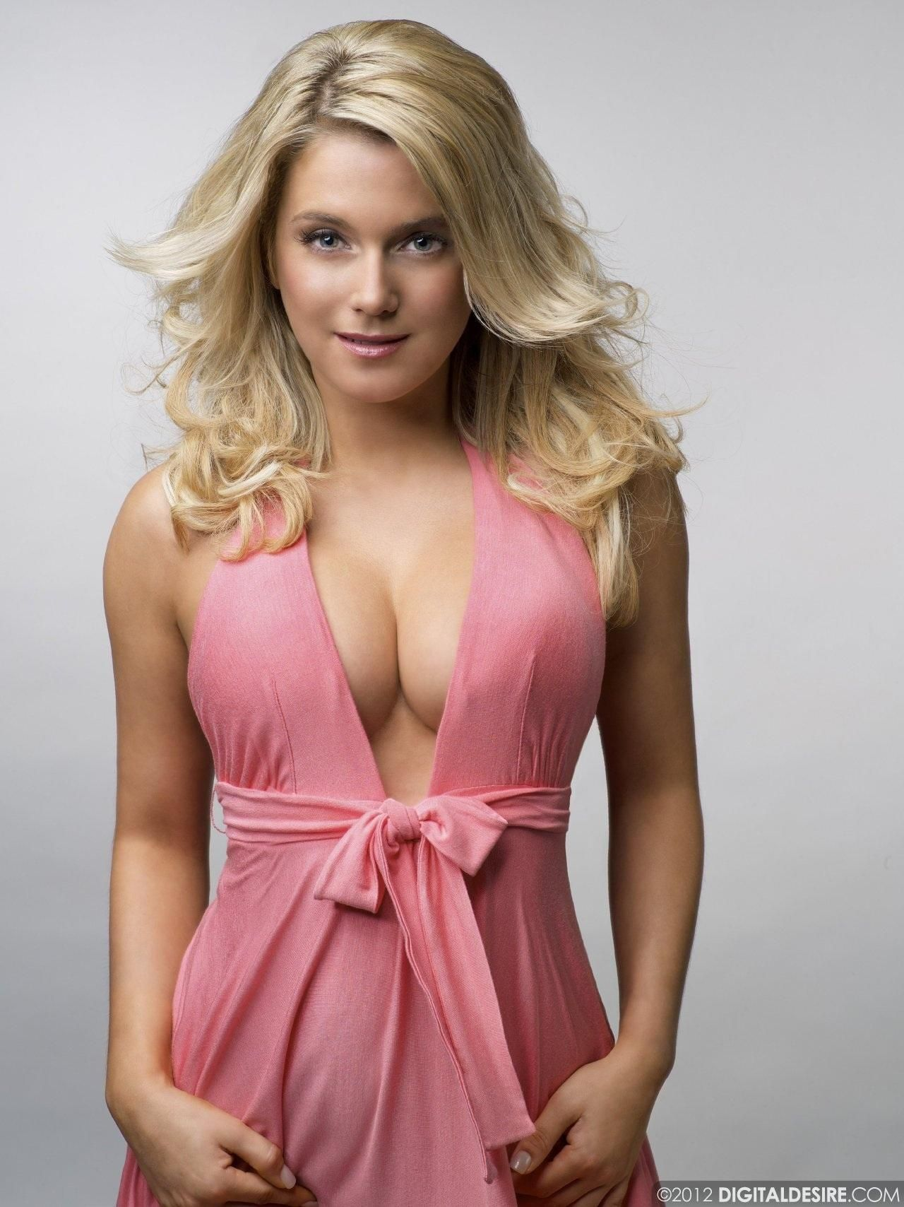 Jeanette Biedermann Nude Photos 45