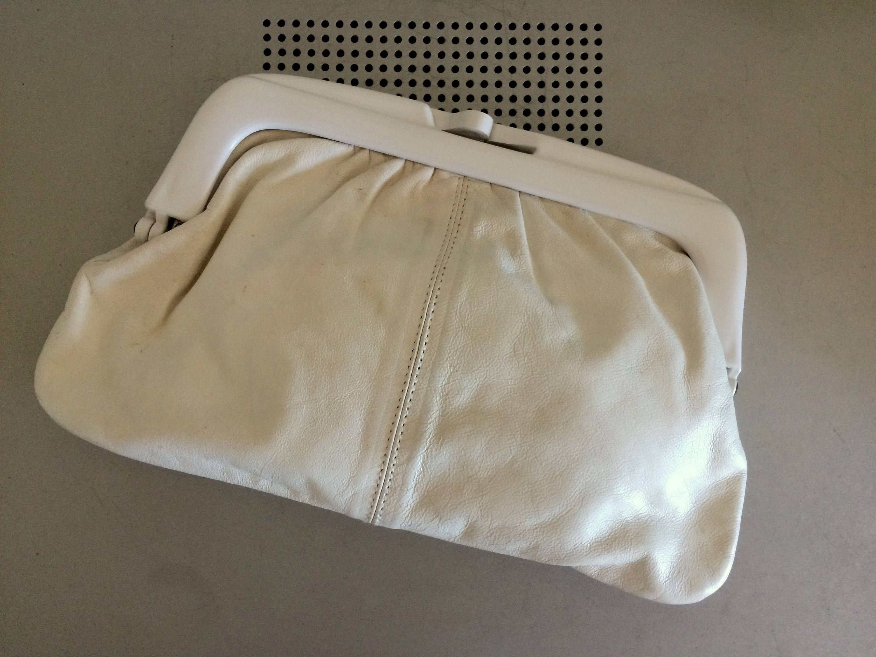 d0ff930efa67 White Retro Clutch bag – 1960s Go-Go Bag – Eaton Brand – Made in Italy –  Marked Genuine leather by OnceTwiceVintageWare on Etsy