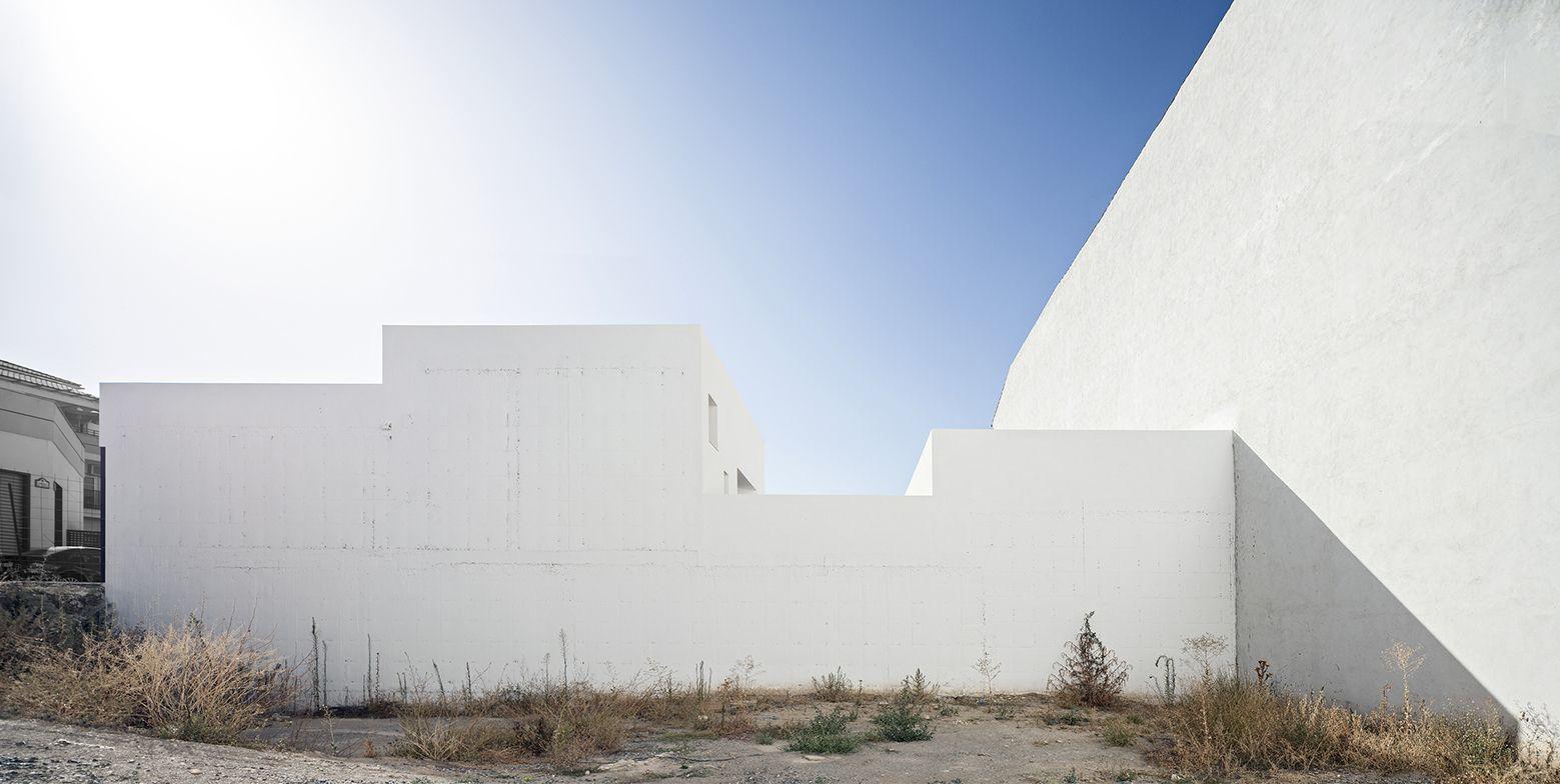 single-family-house-with-garden-dtr_studio-arquitectos