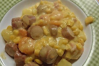 Mais-Kartoffel-Eintopf mit Möhren und Wursteinlage