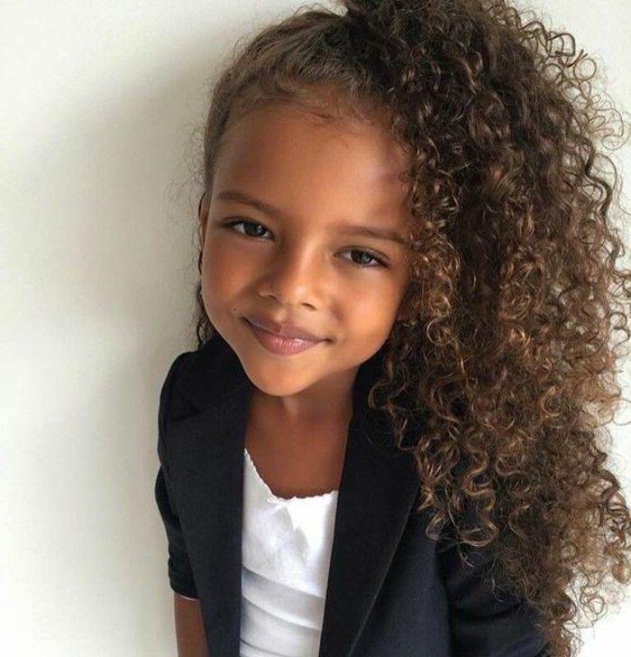 Modèle de coiffure pour petite fille Coiffure petite