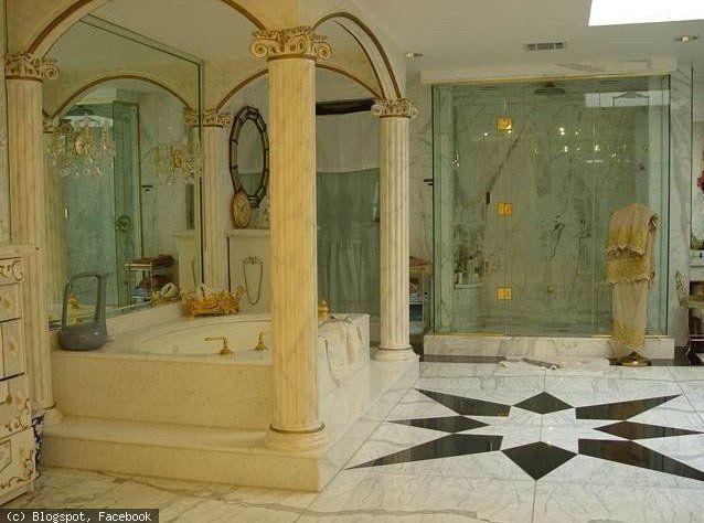 8 Amazing Photos Showing Inside View Of Shahrukh Khans House Mannat