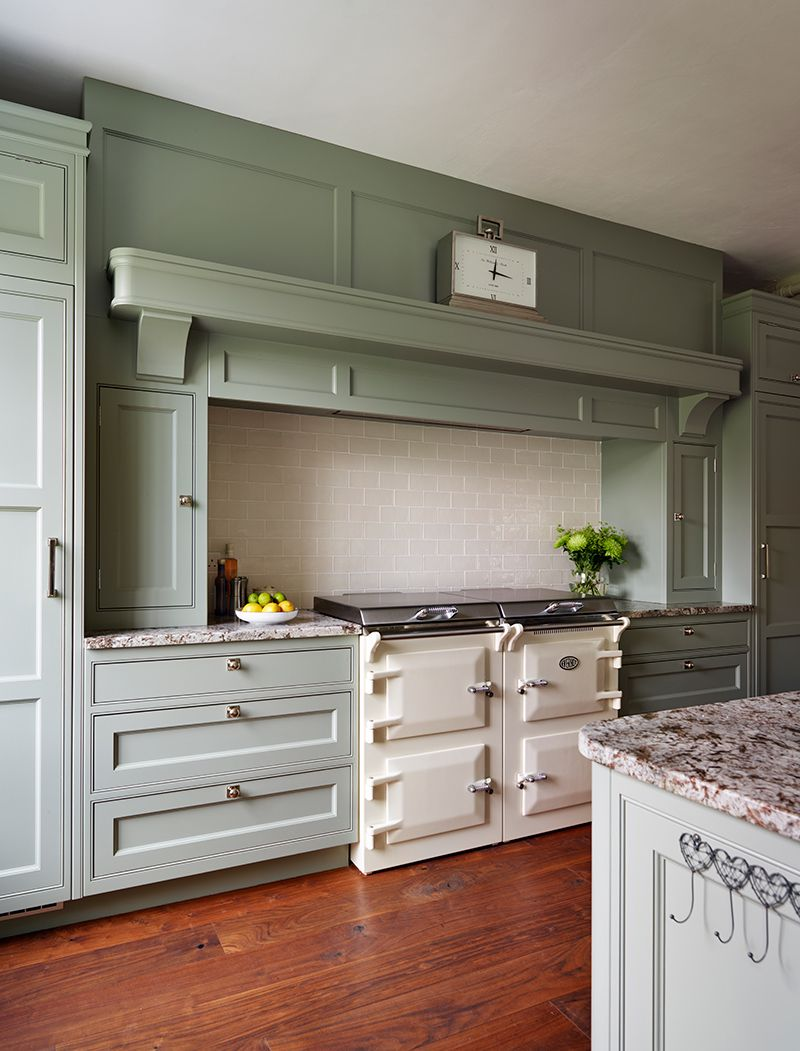 Cream tiles are the perfect subtle splashback choice for this ...