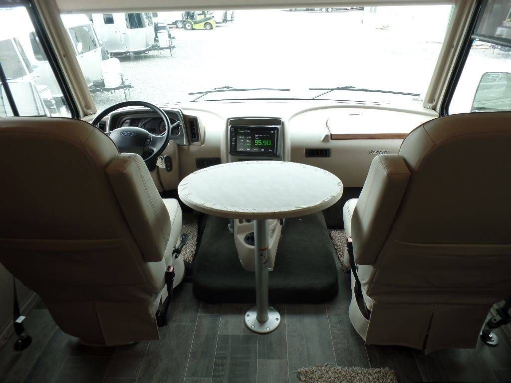 2019 Winnebago Sunstar 35F #CrestviewRV #Texas #Camping #RV