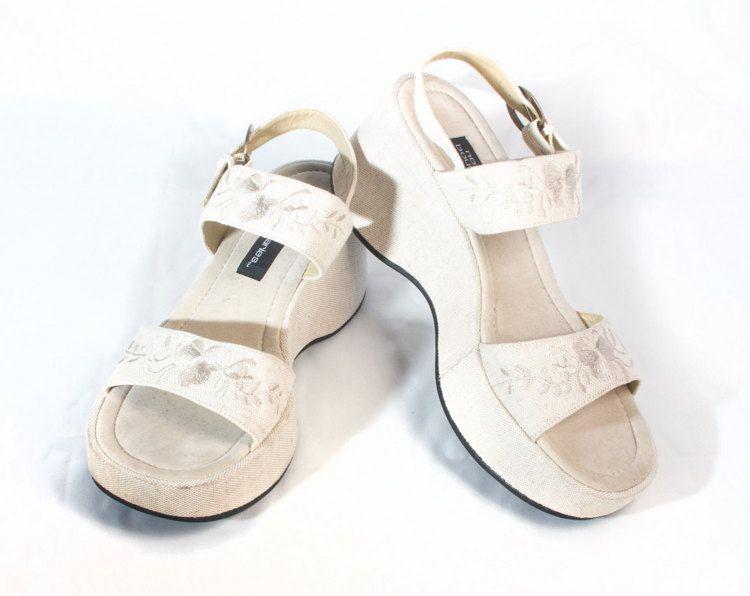 3a624b0e81cb Vintage 90s Tan Linen Platforms Strappy Sandals size 8 1 2 Womens Retro