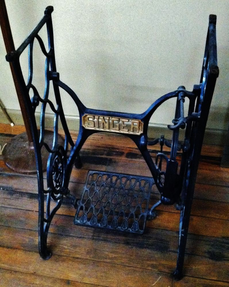 ANTIQUE SINGER SEWING MACHINE CAST IRON LEG BASE TABLE STEAMPUNK ...