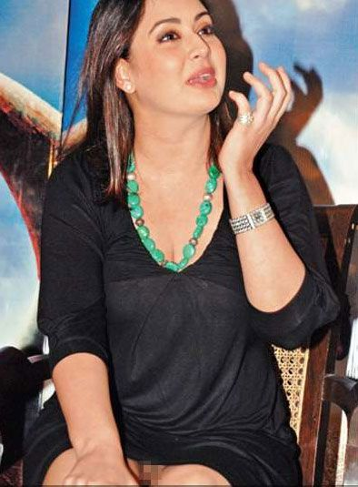 Preeti Jhangiani The Veteran Bollywood Actress Was Caught With Her Panties At The Promotions Of Her