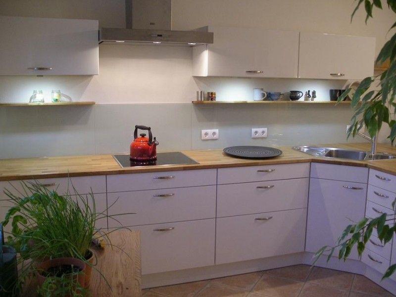 White kitchen Home ♥ Kitchen Pinterest Kitchens and Interiors - küche weiß arbeitsplatte holz