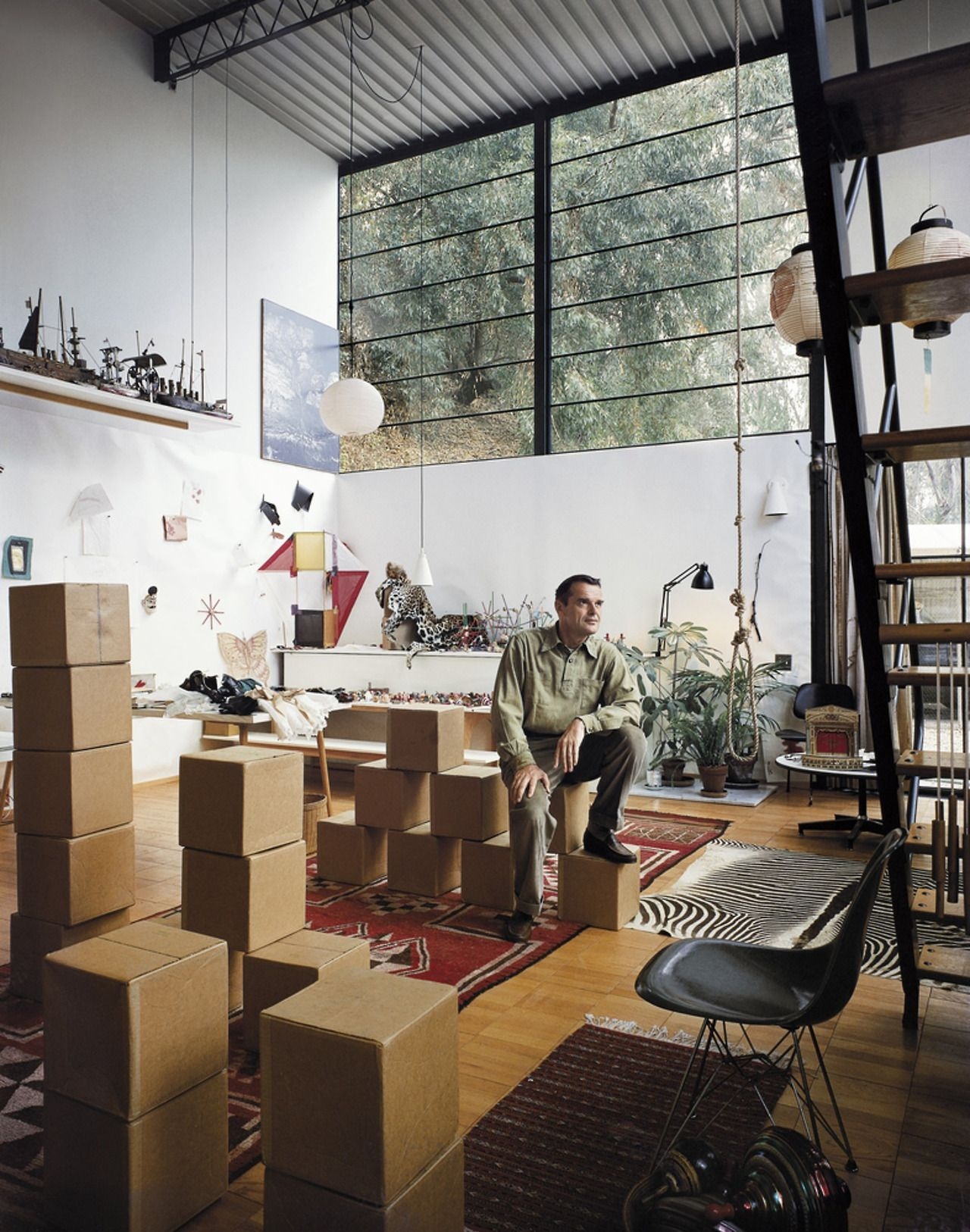 Ray And Charles Eames Charles Eames And Eames House Architecture In 2019
