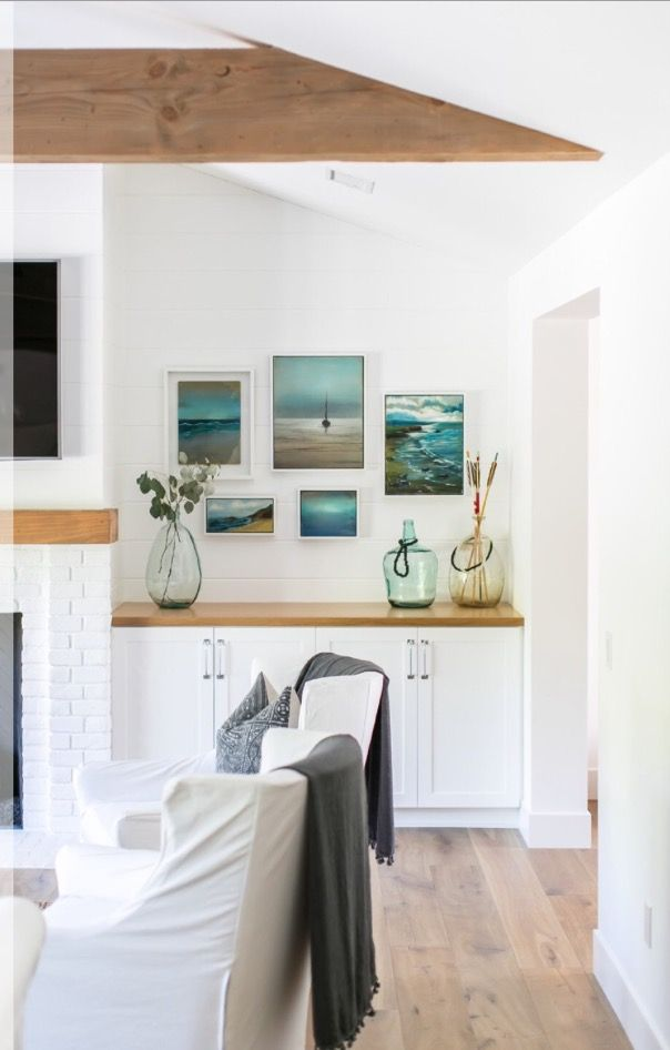Minimalist Beach House: Modern Coastal Decor, Minimalist Decor