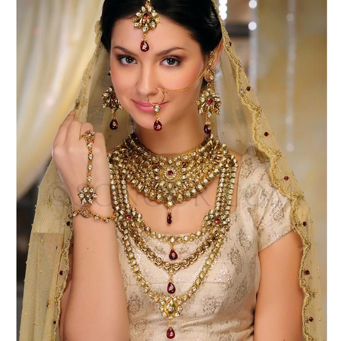 Matha Patti StyleCry Bridal Dresses Women Wear MakeupStyleCry
