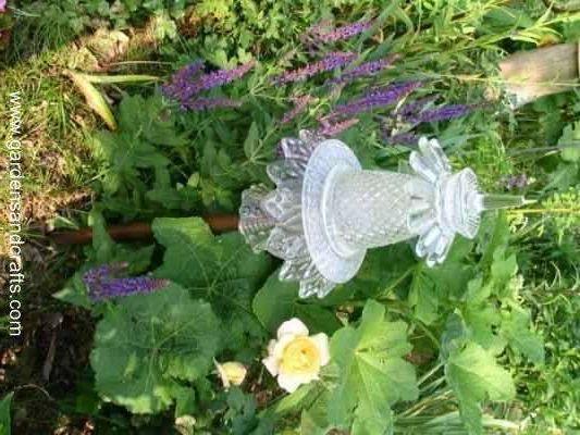 How to make glass garden sculptures