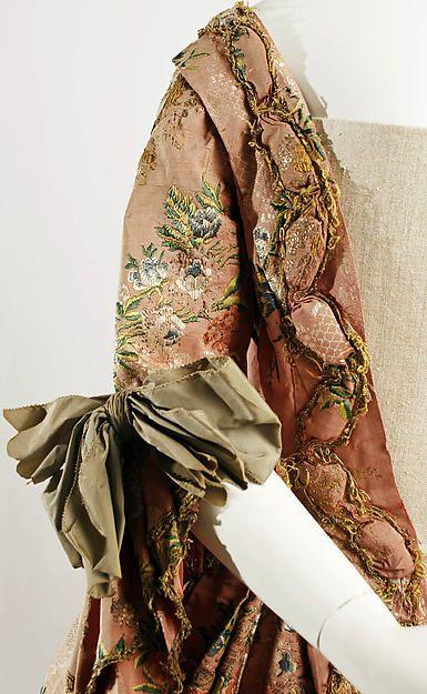 Robe à la Française (image 4) | French | silk, metal thread | Metropolitan Museum of Art | Accession Number: 32.35.1a, b